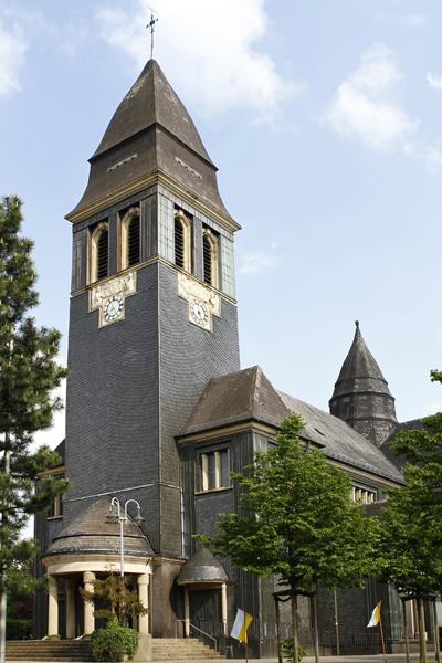 Glockenturm der Kirche