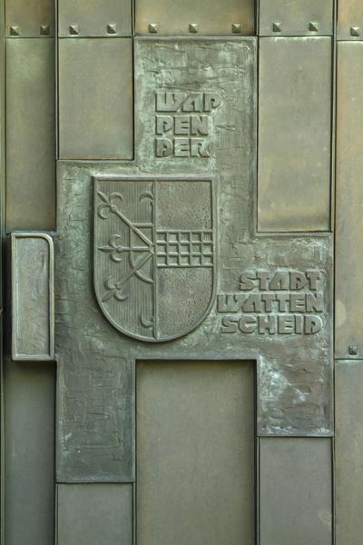 Stadtwappen Wattenscheids auf der rechten Seite des rechten Portals