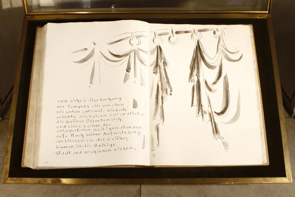 Nachdruck einer handgeschriebenen Bücker-Bibel