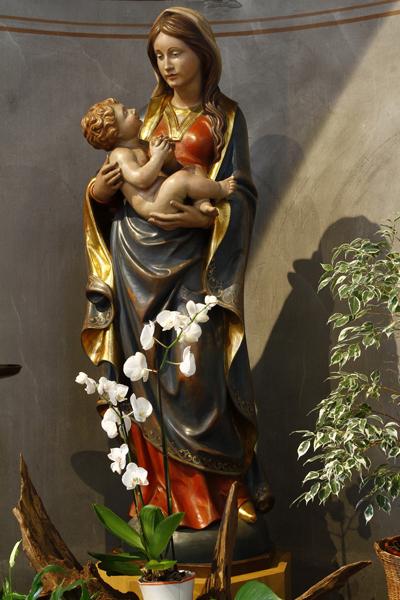 Muttergottes-Statue